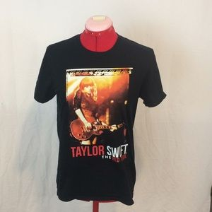 Taylor Swift The Red Tour concert t. Size Small.